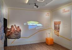 Info-Bereich-Raum-2-Wand-Villa-Projektion