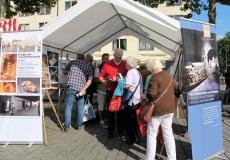 Ehrenamtlertag 3.9.2017 - Stand am Heumarkt mit Personen