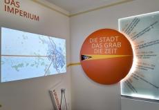 Raum-2-Ecke-Imperium-und-Chronologie-Hörstation-Spurensuche